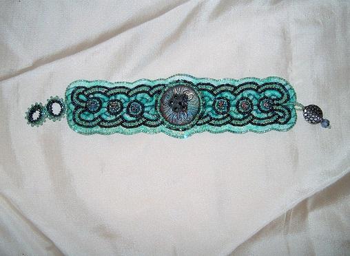 Br Button Celtic Aqua