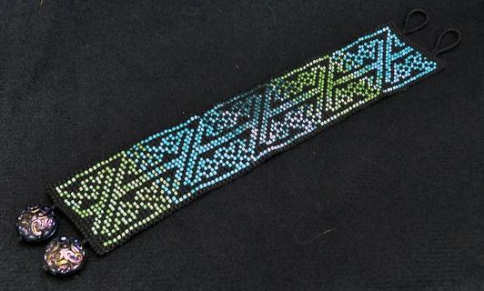 Br Celtic Knot Green Aqua 1
