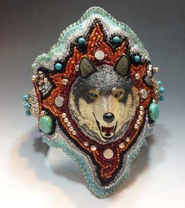 Br Wolf Cuff 1